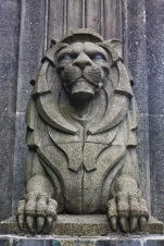 Lions_Gate_Bridge_Charles_Marega_lion_statue