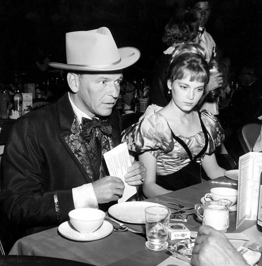 Sinatra_and_Farrow_2691485k